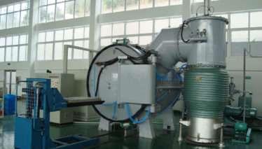 Vacuum brazing furnace