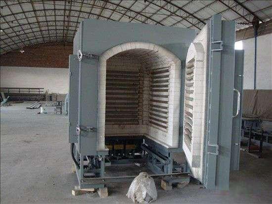 Discharge plasma sintering furnace