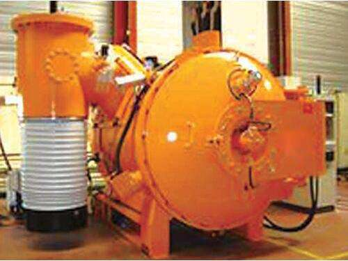 Steam tempering vacuum furnace